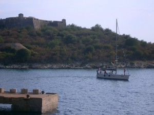 In the front of Ali Pasha castle is the port for yachts